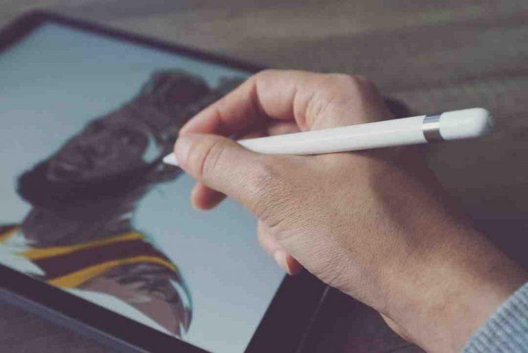 Comment démarrer une tablette Logicom ?